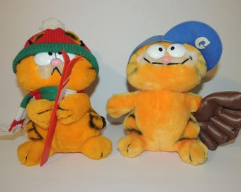 Lot of 2 1978, 1981 Garfield Fun Farm Dakin Plush Stuffed Animals -- Baseball & Winter Snow Skier
