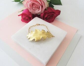 Gold Leaf Bracelet, Vintage Style Bracelet, Brass Leaf, Mothers Day Gift, Gold Bracelet, Gift for Mom Mum, Statement Bracelet,Charm Bracelet