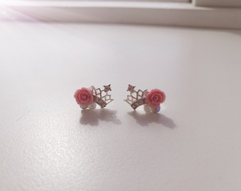 Crown and rose earring