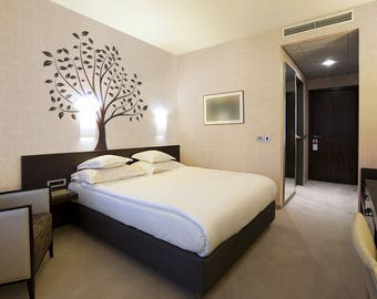 Leafy Tree Wall Decal / Sticker, Wall decor in a modern nature style