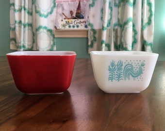 Pyrex Refrigerator Dish in Primary Red or Butterprint No Lids