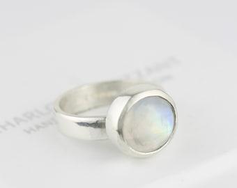 Moonstone ring. Silver moonstone ring. Silver ring.