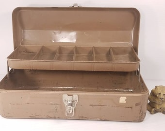 Vintage Metal Tackle Box with Metal Interior Tray, Lockable Metal Tool Box, 15x7x6, Sturdy Storage Container, Good Condition