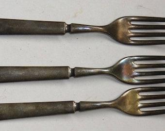 3 (three) Forks
