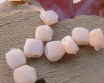 vintage! 25 beads tone nude (about 7 mm) diamond
