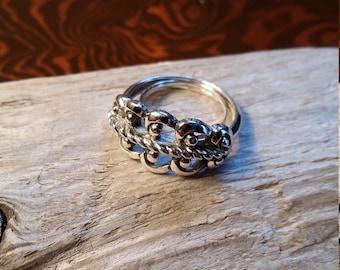 Vintage Avon Ring, Silver Tone Size 5