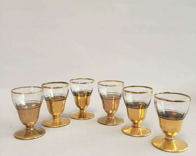 1930s/ 1940s/ 1950s little gold drinking/shot/ glasses