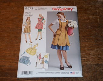 New Simplicity 1940s Vintage Apron Pattern 8571 Size A  S to L