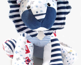 Keepsake Lion - Handmade memory keepsake from your loved ones Clothing/Baby Clothes/T-shirts/Shirt/Blanket