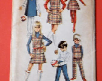 Simplicity 7785 Little girls' jumper or top, skirt and pants pattern Uncut Size 10