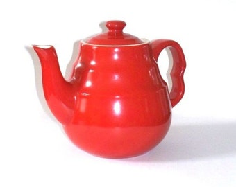 Vintage Red Cherrytone Universal Tea Pot Cambridge Ohio 1950s