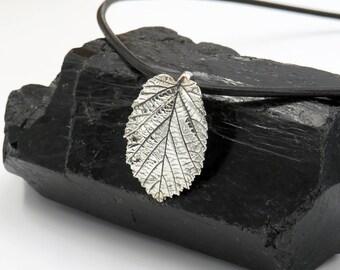 Hazelnut leaf pendant - fine silver 999 - one of a kind!