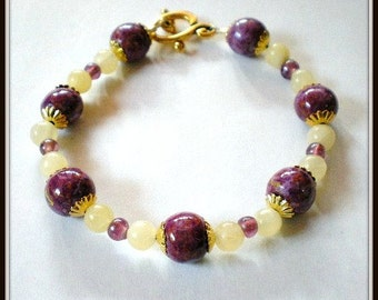 Purple and Yellow Bracelet, Amethyst Color Glass Beads and Yellow Honey Stone Bracelet, Hand Painted Wood Beads Bangle