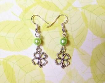 Earrings: lucky clover