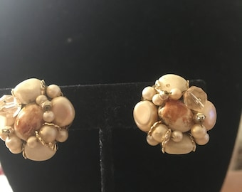 Vintage Creamy Off White Cluster Clip Earrings