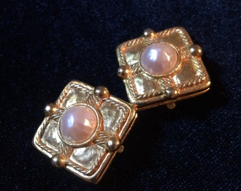 Classic vintage square gold-tone faux pearl clip-on earrings by Carlisle