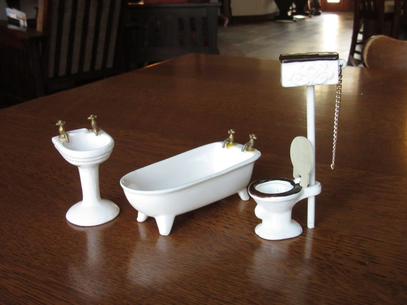 Vintage Dollhouse Porcelain Bathroom Set, White Ceramic Doll House Furniture,  Claw Foot Bath Tub, Sink,Toilet,Chain Flush Water Tank,Bathtub From ...