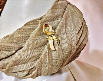 Ladies Vintage AVON Pink Enamel Ribbon Breast Cancer Awareness Gold Tone Rose Brooch