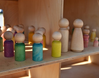 Customizable Wooden Peg Family - Waldorf Inspired Figures for Creative Play