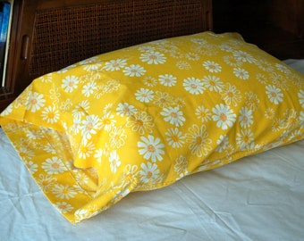 1960s Standard Pillow Cases Yellow Floral Daisies Flower Power Bedding  Pequot No Iron Muslin