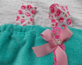 child Women's personalized  spa towel wrap monogrammed towel wrap straps cell phone pocket spa towel  chevron trim