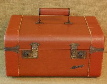 Vintage Leather Train Case 1940's, vintage vanity case, overnight case, vintage luggage, vintage travel case suitcase, original leather
