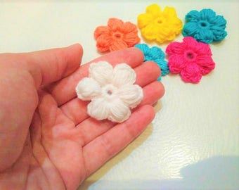10 pcs Crochet  6-Petal Flower Applique/ Scrapbooking Crocheted