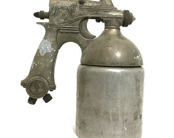 Pair of RAYGUN-Shaped Paint Guns