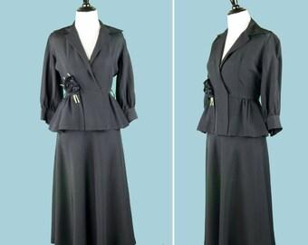 1940s Black Rayon Gabardine Peplum Suit - 40s Women's Suit With Corsage - Cuffed Long Sleeves - Peplum Waist