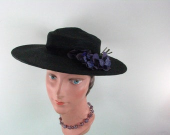 1930s Black Straw Hat with Purple Pansies...  sold at RH Macy& Co.......   size Small to  Medium or 23