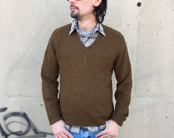 Vintage 50s 100% lambswool v-neck pullover sweater by McGregor Sportswear //  size medium