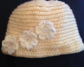 Child's crochet hat with flowers