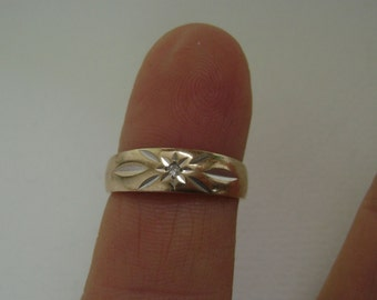 vintage 10k gold ring with diamond, size 5.25