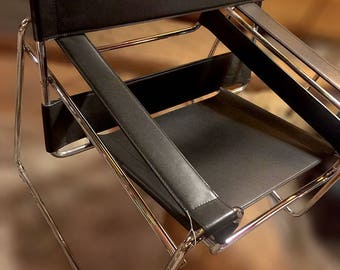 Wassily Chair by Marcel Breuer in Black Leather