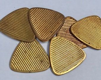 Vintage Raw Brass Metal Triangle Stamping Ribbed 21 x 1 mm pkg6 m132