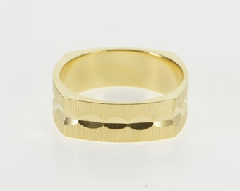 14K Rounded Square Grooved Pattern Textured Band Ring Size 6.5 Yellow Gold