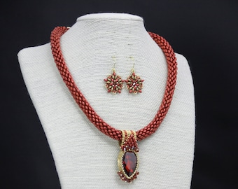 Red Boa necklace set