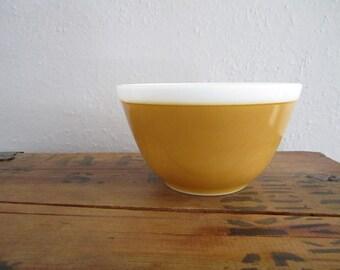 Vintage Pyrex Mixing Bowl Americana Yellow Gold 401 1.5 pint Autumn