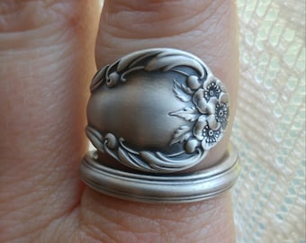 Minimalist Wild Rose Ring, Sterling Silver Spoon Ring, Wild Rose 1948 International Silver Co, 5th Anniversary Gift, Custom Ring Size (6610)