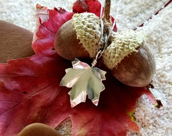 Silver Maple Leaf Fall Necklace