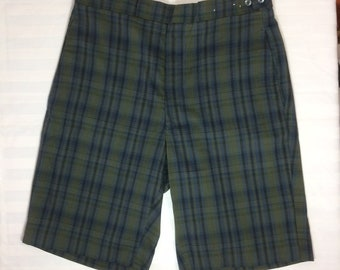1960s plaid burmuda shorts dark olive green blue black 29 inch waist flat front by Koratron side buttons skate punk grunge