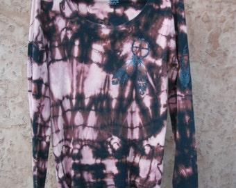 Native American Medicine Shield & Feathers Shirt ~ Wearable Art Hand Painted ~ Reverse Tie Dye ~ Unisex L ~ Long Sleeve