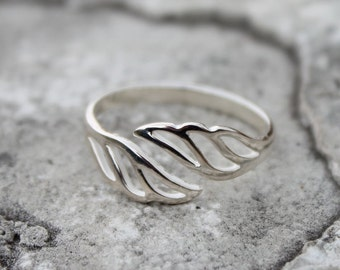 Open ANGEL WING Ring made of Sterling Silver and Adjustable