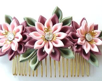 Kanzashi Fabric Flower hair comb . Pink hair comb.