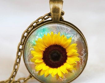 Sunflower necklace , Yellow Sunflower pendant , sunflower charm jewelry ,spring jewelry,  yellow flower gift idea for friends , family
