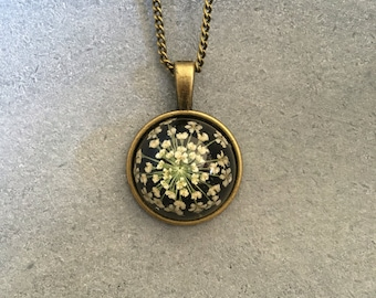 White Queen Anne Lace in a Dainty Cabachon Antique Bronze Bezel, Resin Pendant, Resin Necklace, Pressed Flower Jewelry, Christmas