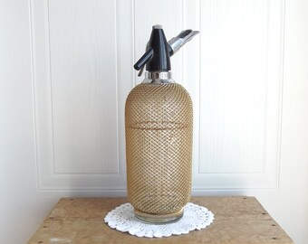 Gold Mesh LARGE Seltzer Bottle, Retro Bar, Kitchen Decor, Vintage Barware, Mad Men, Retro, Man Cave