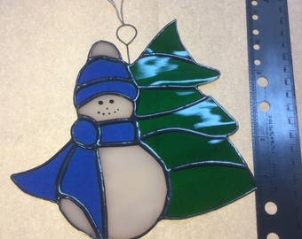 Snowman and tree