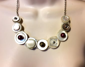 Vintage Funk Mother of Pearl button necklace