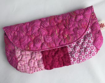 Quilted patchwork glasses case